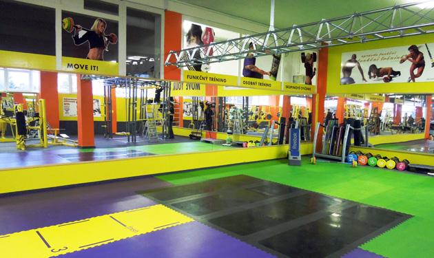 Podlaha ve fitness