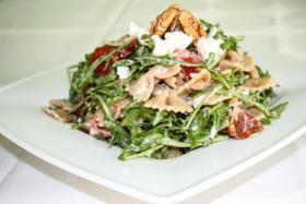 recept - těstovinový salát se zeleninou